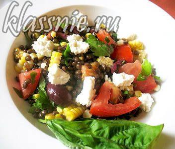 салат с чечевицей и кукурузой