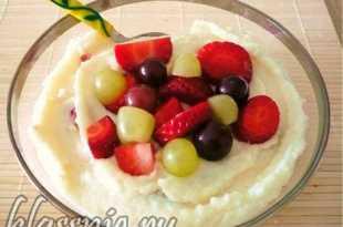 манная каша с орехами и фруктами