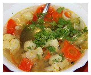Легкий овощной суп с цветной капустой