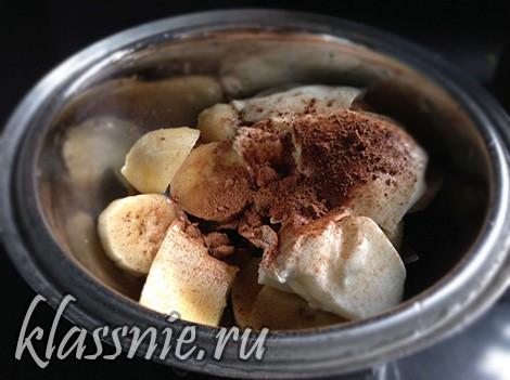 Быстрый десерт из какао и бананов