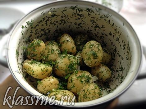 Картофель в кастрюльке