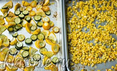 Запеченные цуккини и кукуруза