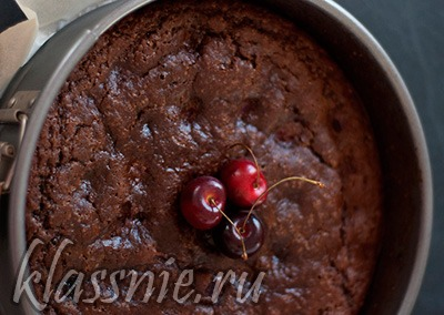 Вишневый пирог в духовке