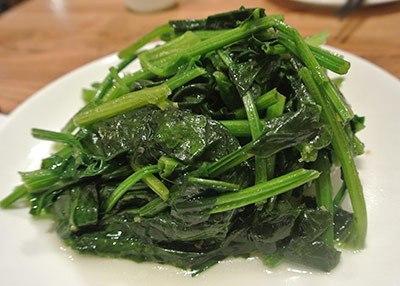 Как приготовить шпинат свежий или замороженный — от Джейми Оливера