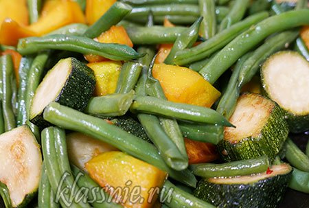 Овощи жареные на сковороде