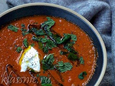 Суп с баклажанами, помидорами и чечевицей
