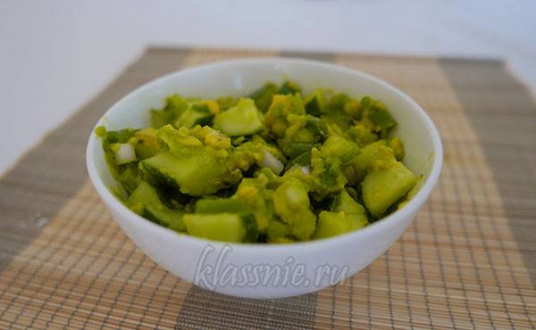 Салат с авокадо Яичный
