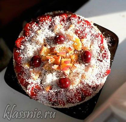 Веганский торт из вафель с финиками и халвой