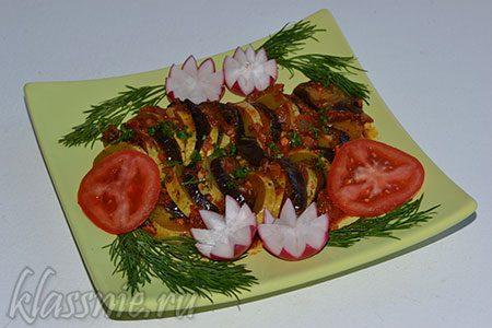 Запеченные баклажаны и кабачки с помидорами в фольге