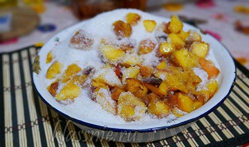 Персики в сахаре