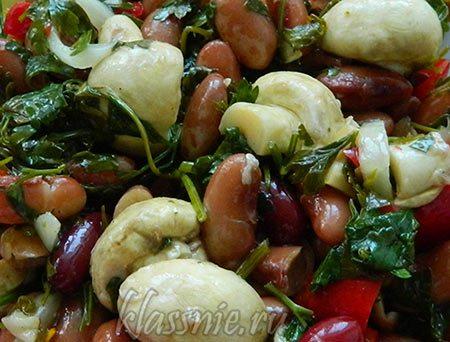 Сочный салат из грибов с сладкого перца