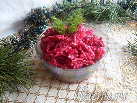 Салат из свеклы и картофеля с вегетарианским майонезом