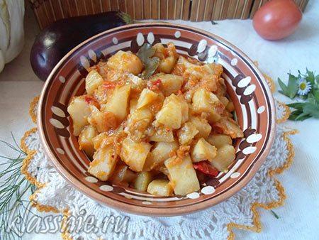 Картофель с овощами в мультиварке (рагу)