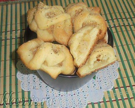 Булочки с рисом и яблоками
