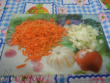Морковь на терке и лук кубиком