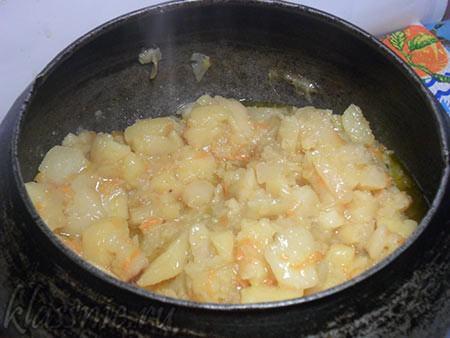 Тушеная капуста с картошкой в духовке