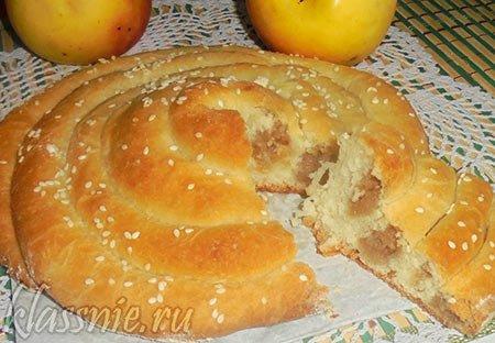 Пирог с яблоками из дрожжевого теста, рецепт с фото пошагово