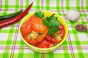 Перец с грибами и рисом