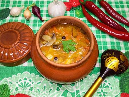 Суп из чечевицы с грибами в духовке