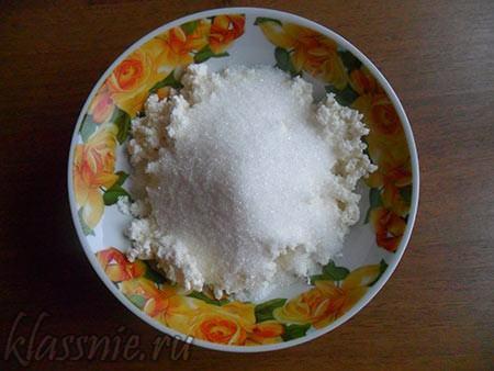 Сахар и ванилин в массу