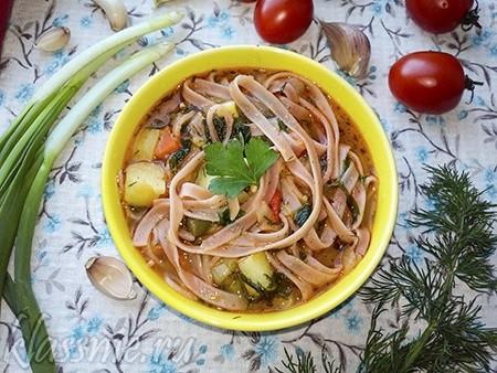 Вегетарианский лагман с овощами