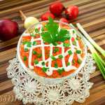 Слоеный салат с нори