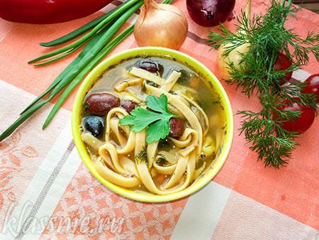Унаш — туркменский суп с фасолью и лапшой