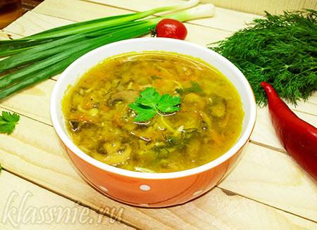 Постный суп из чечевицы с грибами и вермишелью
