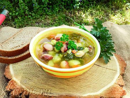 Вегетарианский суп с щавелем и фасолью, рецепт с фото