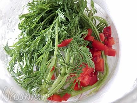 Болгарский перец и свежая зелень