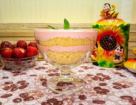 Слоеный десерт из клубники с творогом — фото рецепт
