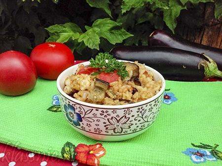 Рис с баклажанами и помидорами