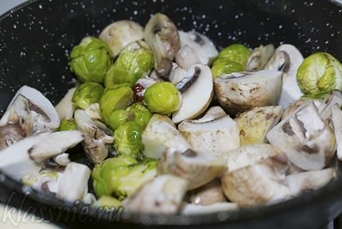 Смесь грибов с овощами