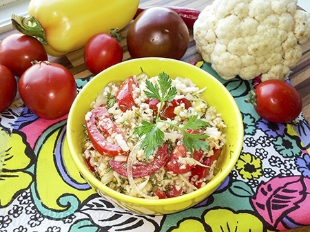Салат из свежей цветной капусты — рецепт с фото пошагово