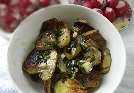Печеный картофель на мангале