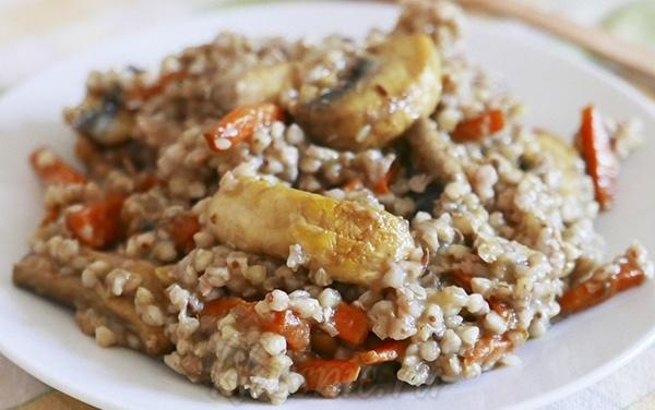 Постная гречка с грибами и морковью, вкуснейший рецепт со специями