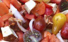 Салат с тофу и помидорами черри