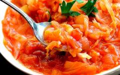 Суп из листьев капусты с помидорами
