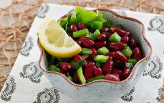 Салат с красной консервированной фасолью за 5 минут