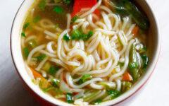 Овощной суп с вермишелью и картошкой