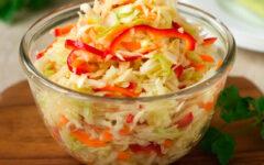 Салат из капусты с болгарским перцем, как в столовой в детстве