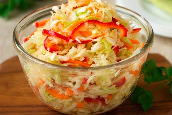 Салат из свежей капусты с болгарским перцем в банках