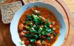 Густой суп с соевым мясом