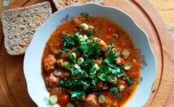 Суп с соевым мясом